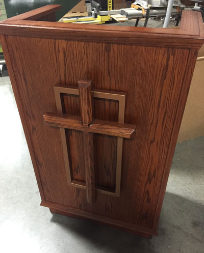 401 Pulpit with Custom Cross